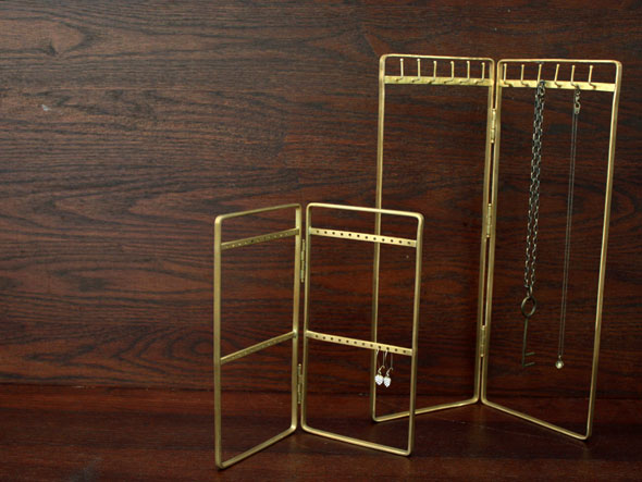 Brass/Necklace  Pierced Stand