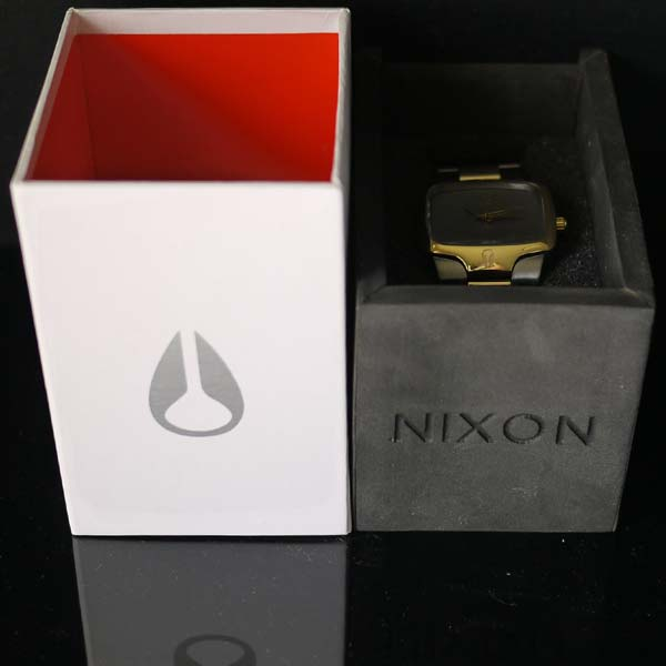 �˥����� �ӻ��� NIXON WATCH THE PLAYER A140-595