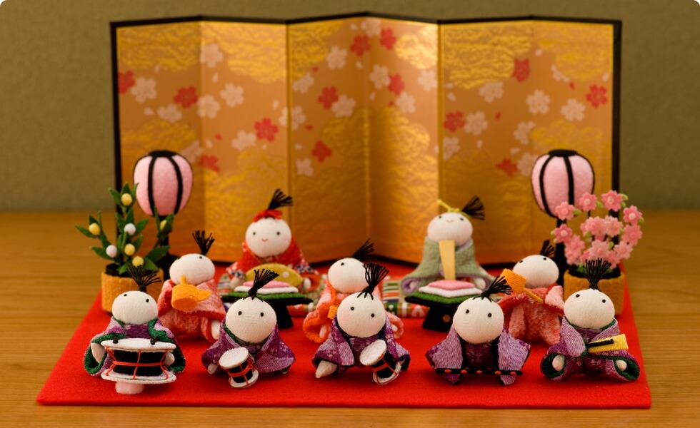 http://image.rakuten.co.jp/akacyann/cabinet/ningyo/hinaninngyo/1-360_501.jpg
