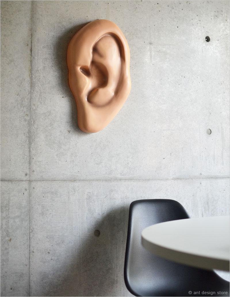 アクータメンツ ジャイアントイヤー Accoutrements 耳 ジャイアント イヤ インテリア アート 巨大 ウォールアート おもしろ 人体 聴覚 デコレーション 地獄耳 イア ジャイアントイアー