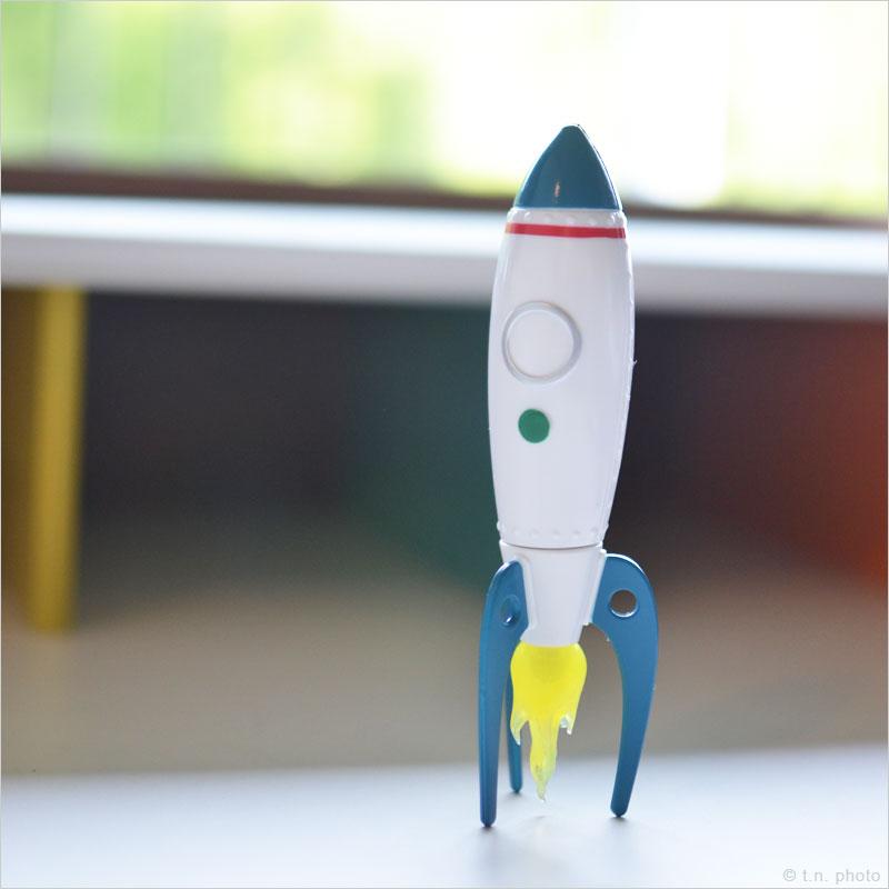 ロケットボールペン ボールペン スタンド ペン立て 宇宙船 スペースシャトル 文房具 ステーショナリー 文具 勉強 オフィス 筆記用具 ロケット ボールペン