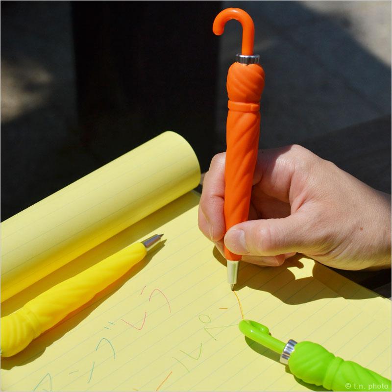 レインボーアンブレラボールペン 5色セット 傘 おしゃれ かさ 文房具 プレゼント おもしろ おしゃれ プレゼント セット カラフル ステーショナリー スペクトル 虹 ボールペン 筆記用具