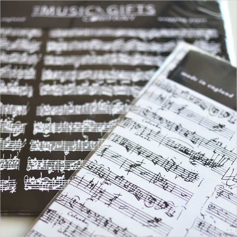楽譜ラッピングペーパー モーツァルト バッハ モーツアルト 楽譜 ギフト プレゼント 包装 包装紙 ラッピング 音楽 ミュージック クラシック タグ メッセージカード カード
