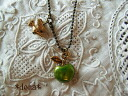 《 delivery possible 》 Green apple and small bird / metal motif necklace (fruit, greening, apple) 5102P06jul13 which shake