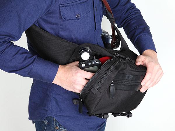 タテ型スリングバッグ<スナップシューター>
