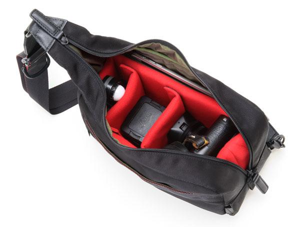ボディバッグ型ナイロン仕様のカメラバッグ