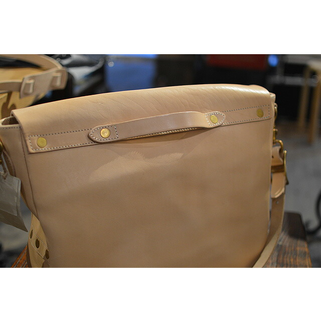 LEATHER POSTMAN SHOULDER BAG-VS248L 刻印NATURAL