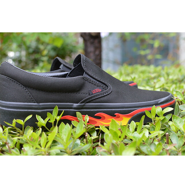CLASSIC SLIP-ON Lifestyle (Flame Wall) black/black black/black