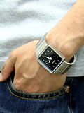 NIXON ニクソン 腕時計 QUATRO NA013000-00 ブラック 着用