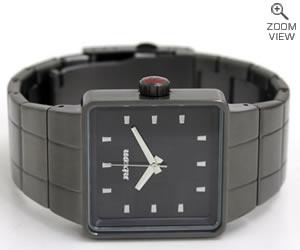 NIXON 腕時計 ニクソン QUATRO NA013131-00 ガンメタル 横置き