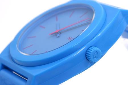 NIXON 腕時計 ニクソン TIME TELLER P NA119606-00 ブライトブルー 横向き