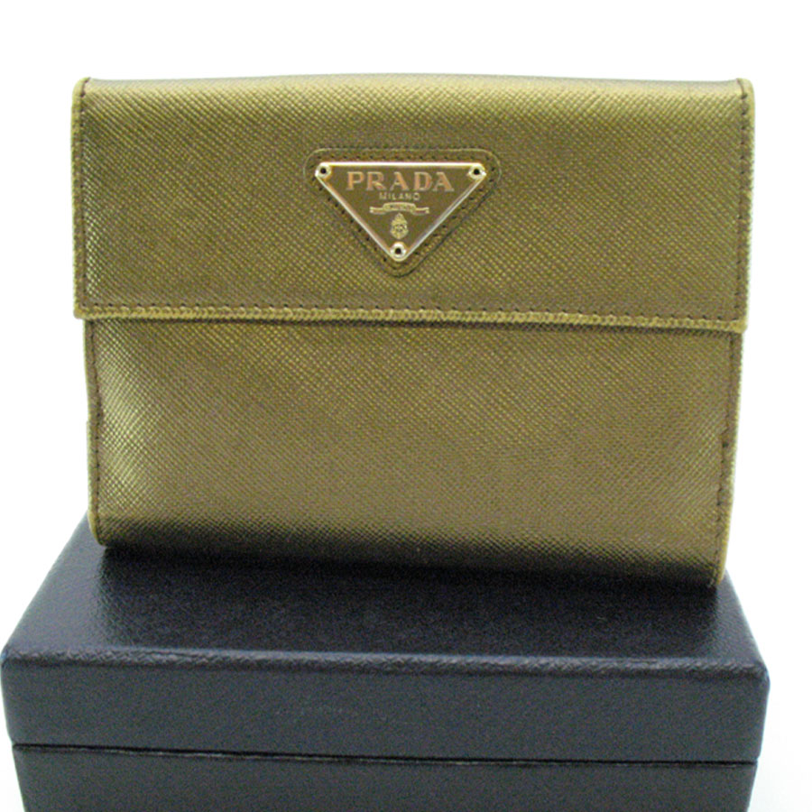 BrandValue | Rakuten Global Market: Prada PRADA wallet triangular ...