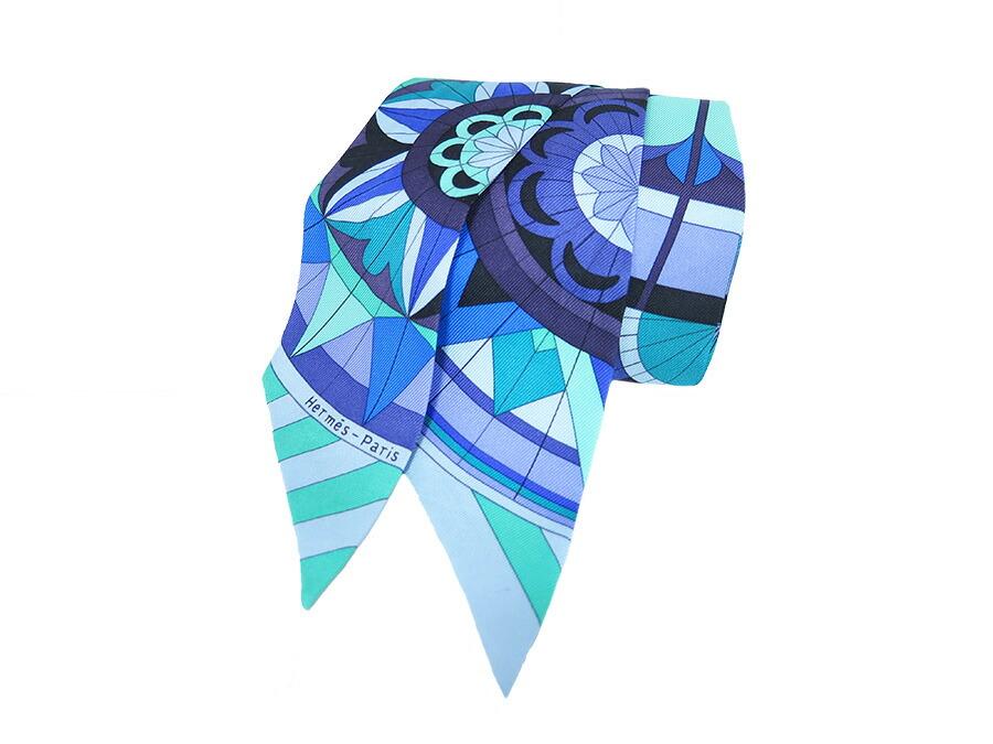 长丝巾折叠方法图解