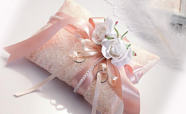 素敵な結婚式に♡手作りリングピローで思い出作り