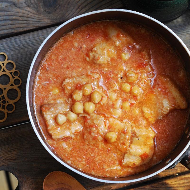 豚ばらとひよこ豆のトマト煮込み