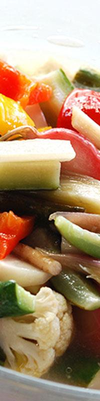 いろいろな野菜が手軽に摂れて、マリネなので長期保存ができるとても便利な一品です。