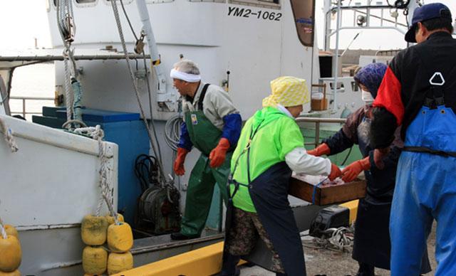山形県庄内浜 漁船