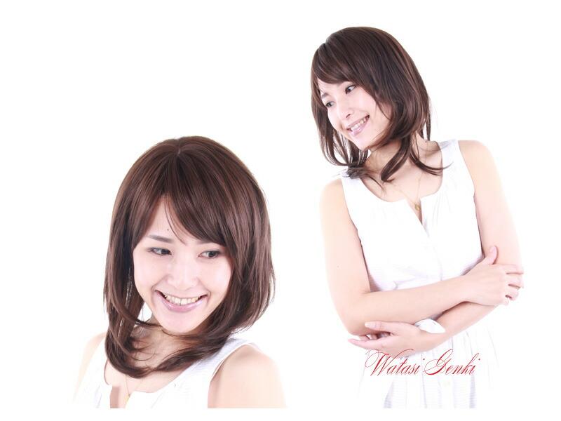 医療用ウィッグミディアム(かつら)の女性用です。前頭部、上から見た感じ上半身-2