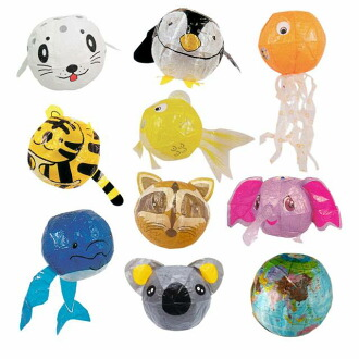 更改像紙一樣的伴侶動物的船用地球 10 件 (大象、 考拉、 企鵝和老虎、 浣熊、 章魚、 金魚、 企鵝和海豚和海豹和全球)