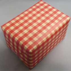 赤色包装とリボン