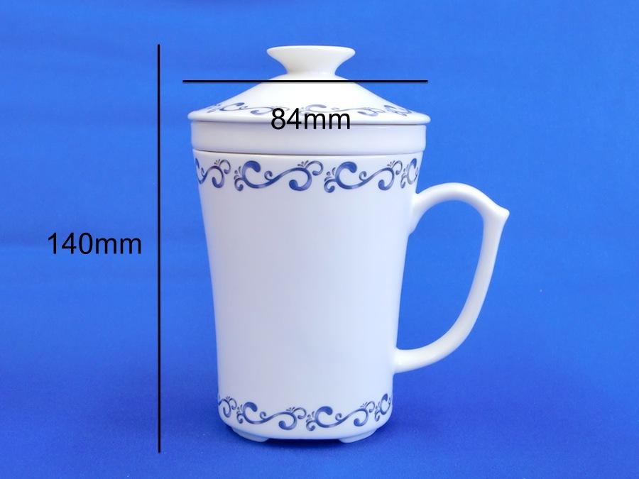 饮料瓶子花纹造型