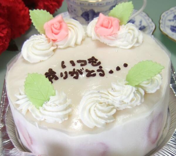 人気の生クリームデコレーション父の日ケーキ