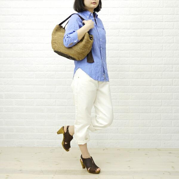 Sanita(サニタ) レザー ウッドコーン バックストラップ サンダル・4944の着用イメージ