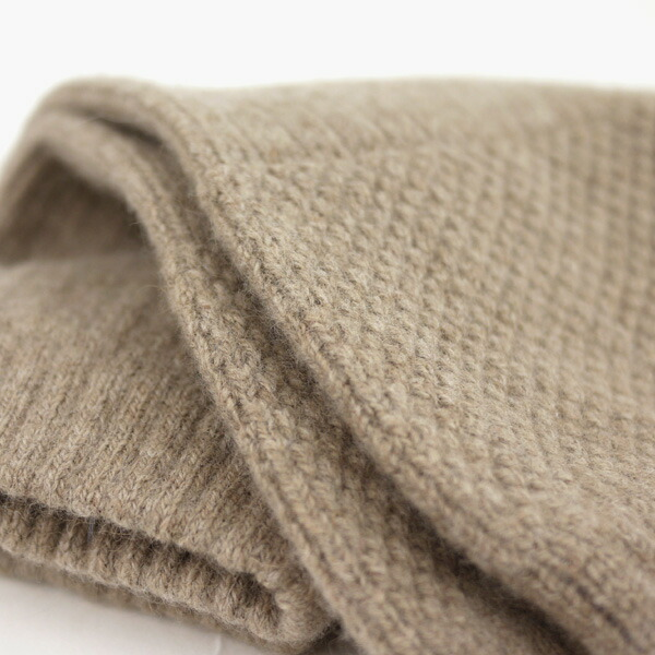 Detailed image of GLEN GORDON( Glenn Gordon) Angola blend wool hand warmer, NGG0854