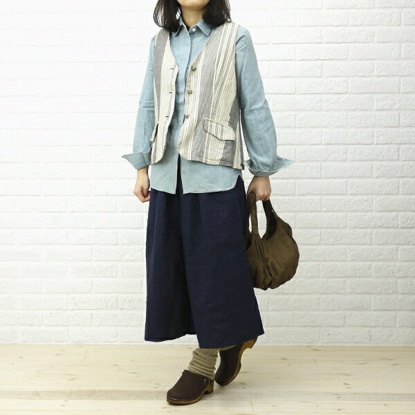 "Wearing image of French Bull( French bulldog) linen sleevelet leg warmer ""Stella tube"", 181-111<br>"