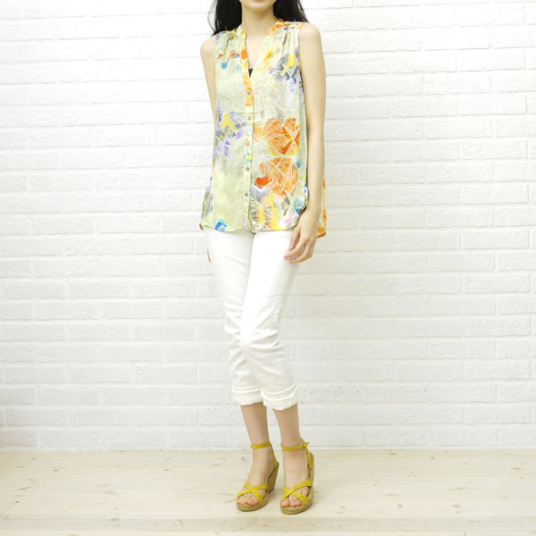Wearing image of Calzanor( カルザノール) suede leather espadrille cross strap wedge sole sandals, S787