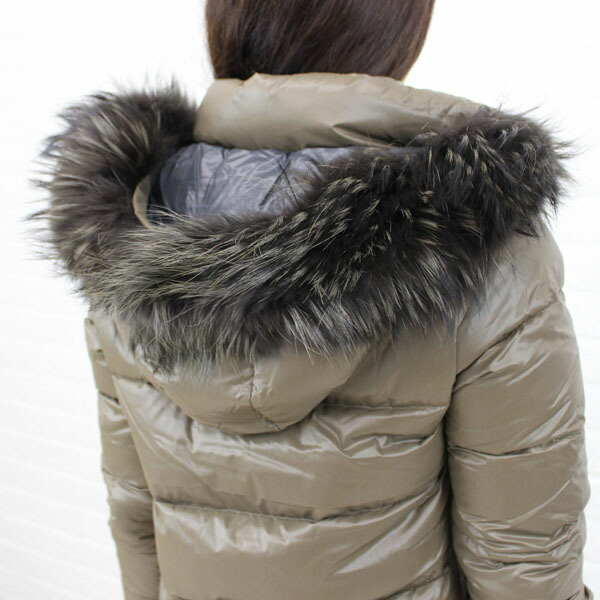"Detailed image of food long coat ""DENEB"", DENEB with the DUVETICA( デュベティカ) nylon down fur"