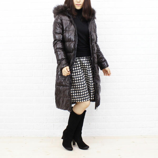 "Color image of food long coat ""ALIA"", ALIA with the DUVETICA( デュベティカ) nylon down fur"