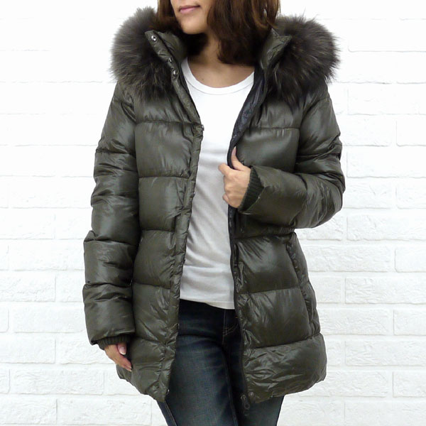 "Color image of food middle length jacket ""SABIK"", SABIK with the DUVETICA( デュベティカ) nylon down fur"