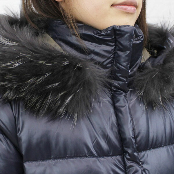 "Detailed image of food middle length jacket ""SABIK"", SABIK with the DUVETICA( デュベティカ) nylon down fur"
