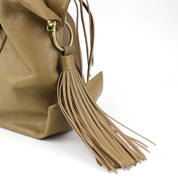 "Detailed image of handbag ""マルシェ"", -TL 640 with the TOFF&LOADSTONE( トフ & Rhodes ton) goat leather fringe"