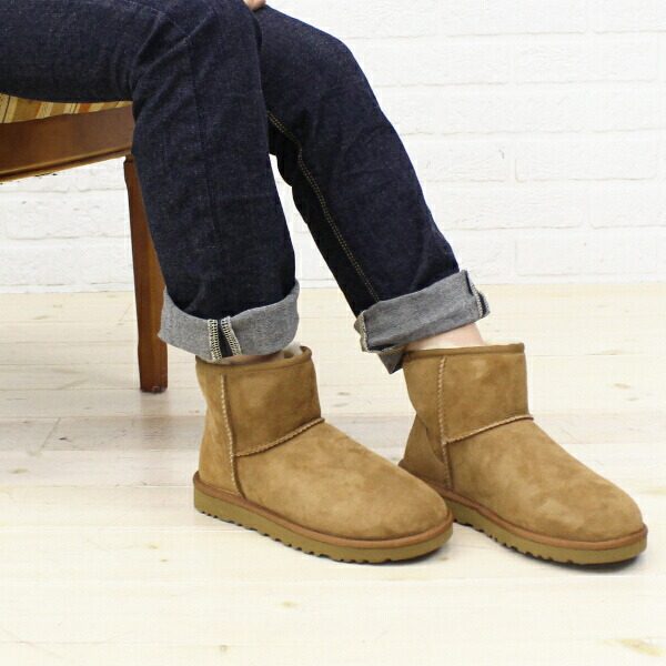 "Color image of UGG Australia( アグオーストラリア) sheepskin ankle boots ""W CLASSIC MINI"" .5854"