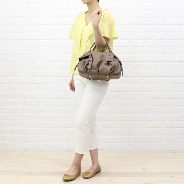 "Wearing image of PotioR( ポティオール) goat leather 2way Boston bag ""CREMA BOSTON"", GO-0006SS"