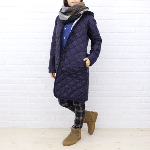 "Wearing image of Liberty quilting coat ""BRUNDON LIBERTY"", BRUNDON-LIB with the LAVENHAM( ラベンハム) polyester food"