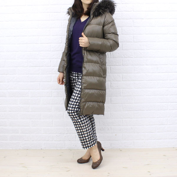 "Wearing image of food long coat ""DENEB"", DENEB with the DUVETICA( デュベティカ) nylon down fur"
