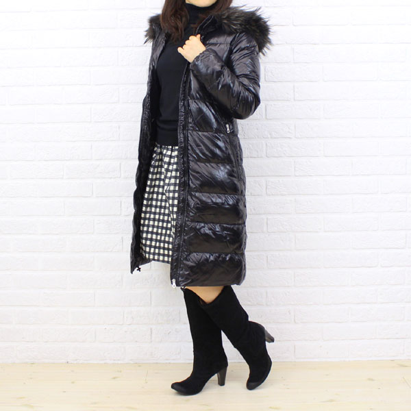 "Wearing image of food long coat ""ALIA"", ALIA with the DUVETICA( デュベティカ) nylon down fur"