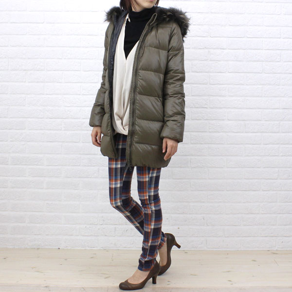 "Wearing image of food middle length coat ""KAPPA"", KAPPA with the DUVETICA( デュベティカ) nylon down fur"
