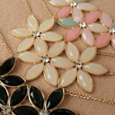 ◆ Bonaventure (Bonaventure) women's triple flower shape necklace pendant popularity the translated and! try! to 2015 presents