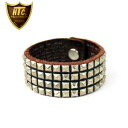 Four regular handling HTC(Hollywood Trading Company) #14S-100 Small pyramid bracelet black leather X silver studs