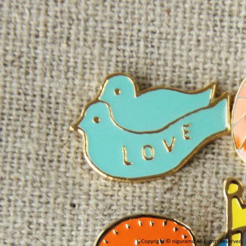 ピンバッジ love birds