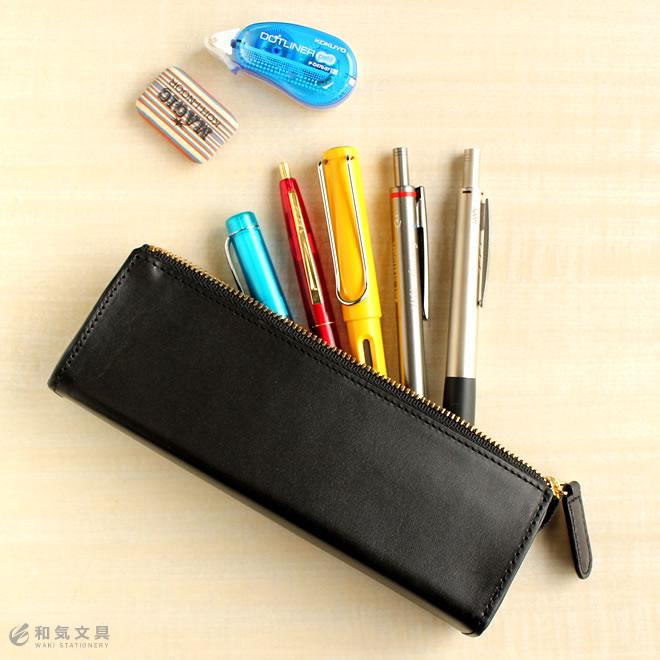 細身のペンなら10〜12本!たっぷり入る収納力が自慢です