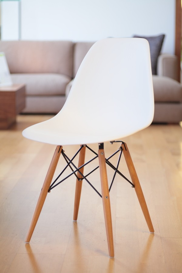 Market eames dsw pp polypropylene white shell chair dining chair