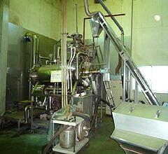 プーアール茶は日本で蒸気殺菌します。