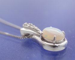 オパール ダイヤモンド K18WGネックレス
