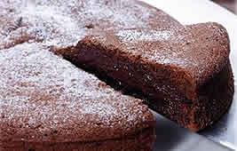 グルメ大賞、チョコレートのコクと美味しさがぎっしりつまった、清川屋だけのミ・キュイです。