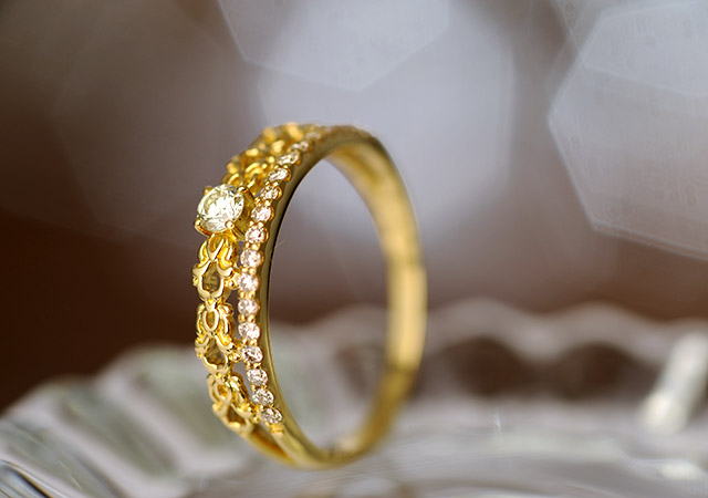 K18 diamond ring ripple